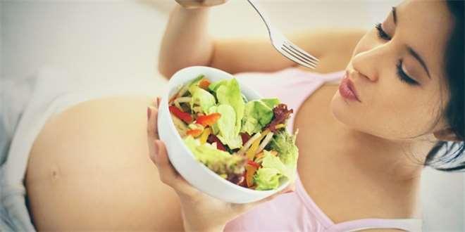 Bez kyseliny listové ani ránu. Proč je v těhotenství důležitá?