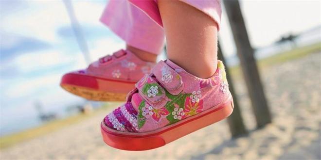 """ba67d794671 """"Dětská bota by měla být lehká"""