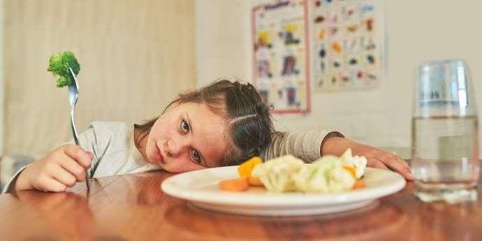Také dětem hrozí mentální anorexie. Odmítání jídla může být voláním o pomoc | istockphoto.com