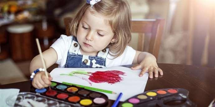 Co poznáte z dětské kresby? Hlavně ji nehodnoťte, ať nevezmete dítěti chuť k tvoření