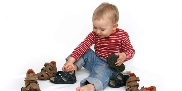 b6a94d9bb53 První boty vybírejte pečlivě a zapomeňte na obnošenou obuv – Maminka.cz