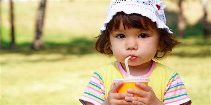 Obezita dětí  Dodatečné cukry do dětského jídelníčku nepatří ... 6029376b5f