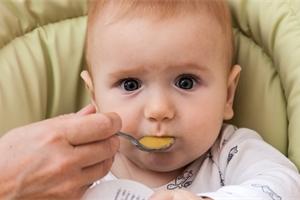 Jí vaše batole málo zeleniny? Hrozí mu cukrovka i potíže se srdcem!
