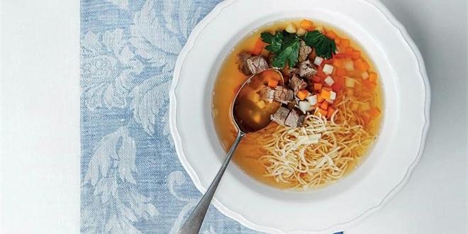 Naučte se připravit poctivý hovězí vývar (+ 3 x recept na polévku)