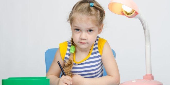 Jak osvětlit pokoj pro školáka? Zdravý zrak je na prvním místě