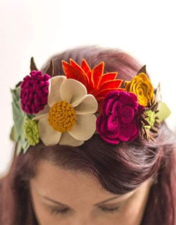 5d93591e101 Galerie - Květinová čelenka zkrotí neposedné vlasy a sluší všem ...