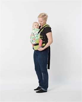 6567a670796 Jak obléknout miminko v létě do nosítka  Klidně stačí jedna vrstva ...
